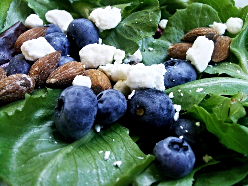 Blueberry-almond-salad